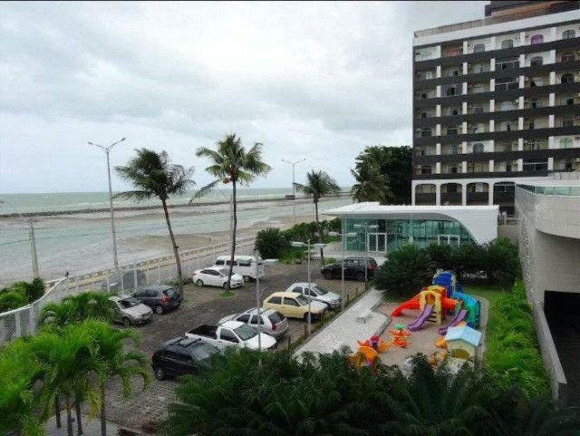 SIM| Apartamento com quartos, sendo 03 suítes, 04 vagas, 160m² a Beira Mar de Olinda - Foto 19