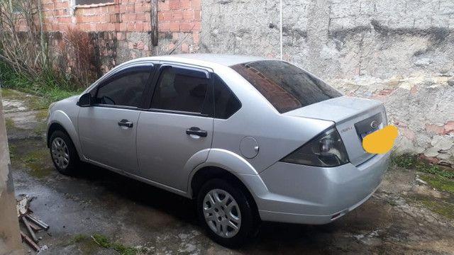 Fiesta sedan 1.6 prata 2011/2012 com Gnv - em perfeito estado - Foto 4