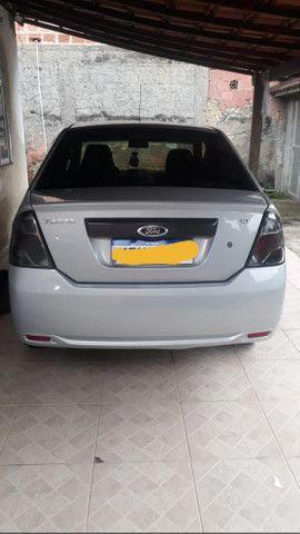 Fiesta sedan 1.6 prata 2011/2012 com Gnv - em perfeito estado - Foto 8