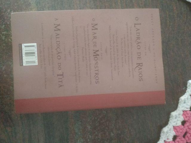 Livro Percy Jackson A Batalha no Labirinto - Foto 2