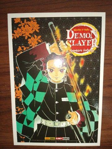 Vendo os 3 primeiros Volumes do Mangá Demon Slayer - Foto 4