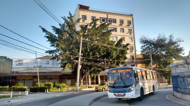 Madureira Apt 2 qts Tem tudo BRT trem