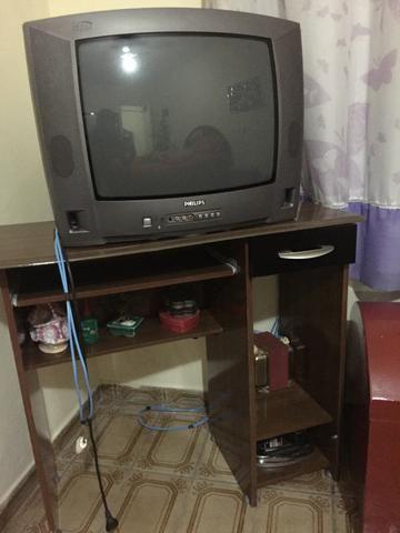 Rack + TV de tubo Philips