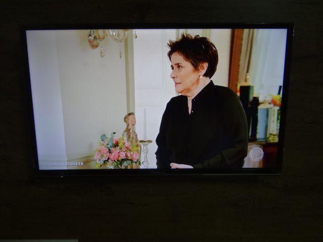 Tv esmarte nftlis 32 pol 850 nova pra sair logo