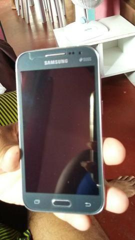 Vendo ese telefone semi novo está no plástico ainda com película é capinha