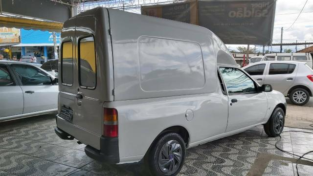 Ford Courier box 2007 1.6 gnv - 12.900