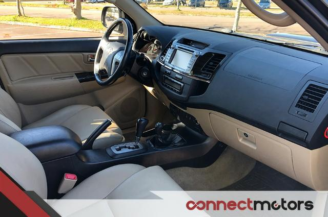 Toyota Hilux SW4 SRV 3.0 TDI Automático - 2014 - Foto 12