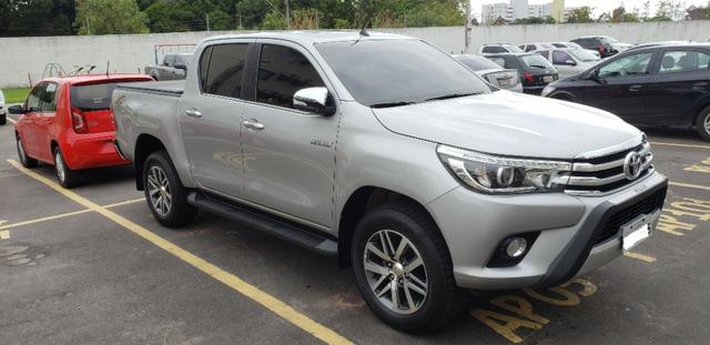 Toyota Hilux SRX 2.8 4x4 - Foto 6