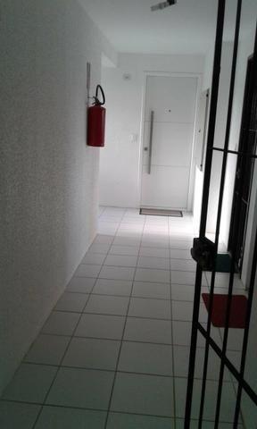 Excelente ap J.Atlantico,seminovo,estrutural,rua calçada,portão eletrônico,armários,suíte - Foto 11