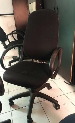 Cadeiras de escritório(Rodinhas) - Foto 2