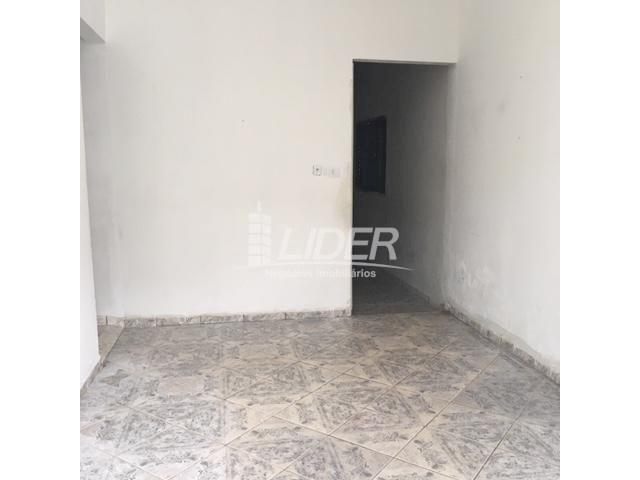 Casa para alugar com 3 dormitórios em São jorge, Uberlândia cod:804306 - Foto 3