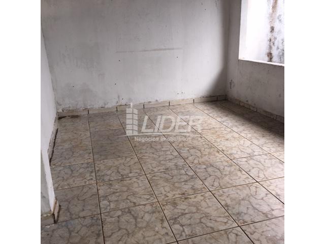 Casa para alugar com 3 dormitórios em São jorge, Uberlândia cod:804306 - Foto 10