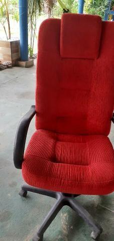 Quer uma cadeira bonita para o seu escritório ou escrivaninha?
