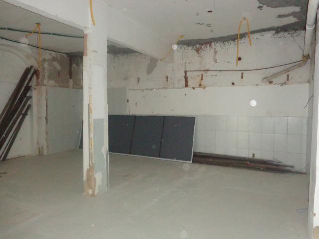 Loja com Área Total de 180 m² para Aluguel em Roma (797910) - Foto 2