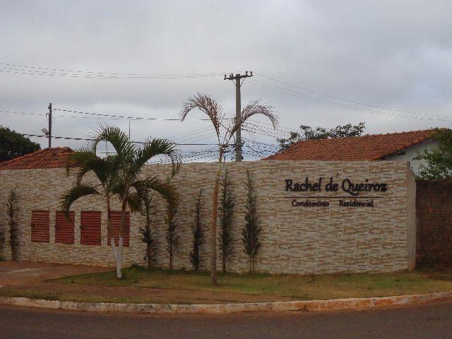 Duas casas mesmo terreno Rita Vieira