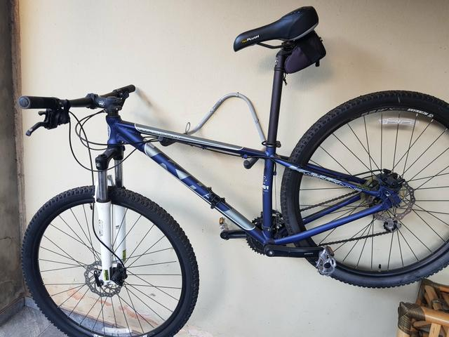 Mountain Bike KHS Winslow - Aro 29 - Freio a Disco - Câmbio Traseiro Shimano - 24 Marchas