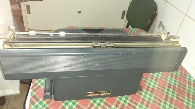 Máquina De Escrever Olivetti Industrial - Foto 3