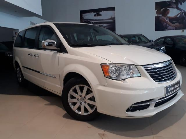 Chrysler Town & Country Limited 7 lugares Blindado