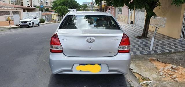 Toyota Etios Sedan XS 1.5 14/15 - Foto 2
