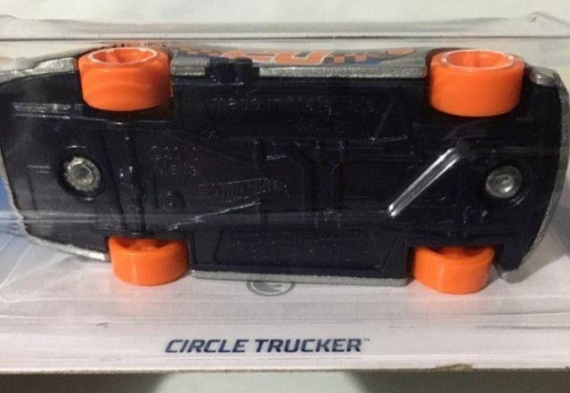 Hot Wheels - Circle Trucker - T-hunt - Item De Colecionador - Foto 3