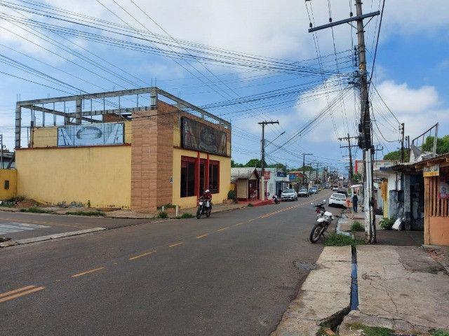 Vendo prédio comercial e casa em Manacapuru