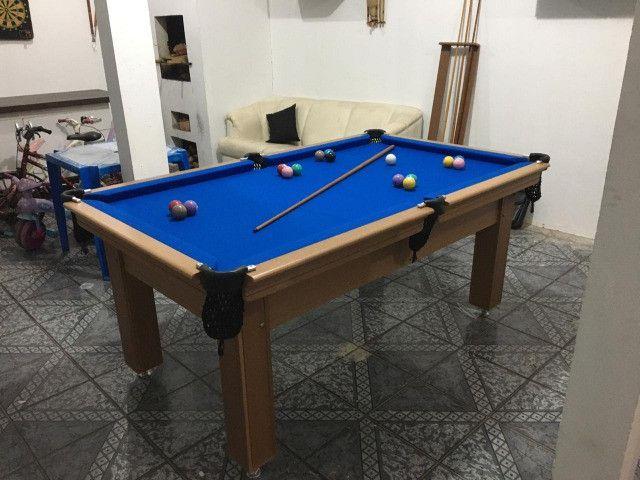 Mesa Tentação de 4 Pés Cor Cerejeira Tecido Azul Mod. TCLK2502