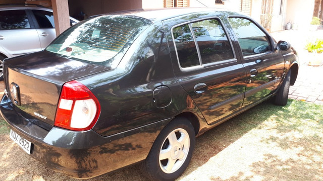 Clio Sedan - Foto 5