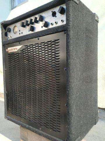 Amplificador Caixa de Baixo Vendo ou troco Mag C115-300 Evo II - Foto 2