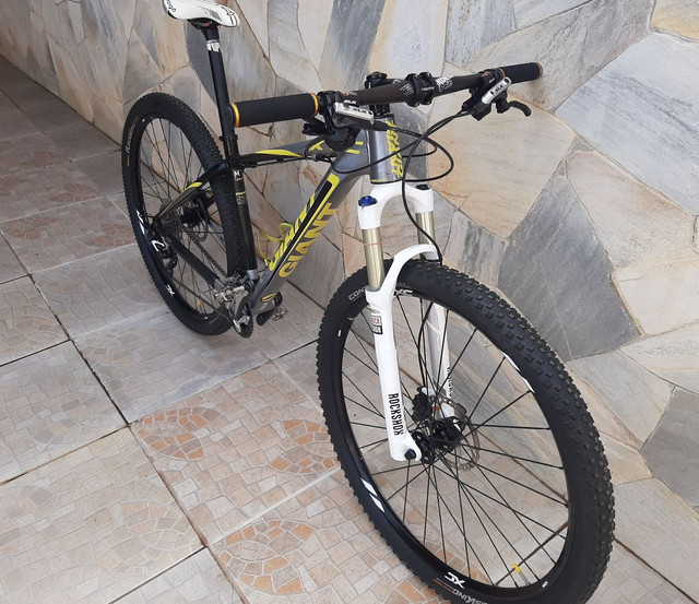 Bicicleta mtb Giant XTC 29 - Foto 2