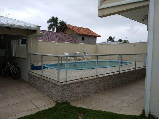 Casa na praia por dia, c/ piscina c/ 3 suítes c/ ar e próximo ao Beto Carrero - Foto 5