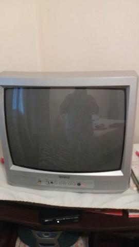 Vendo 2 televisões uma de 21 polegadas e a outra de 29 polegadas vendos as juntas
