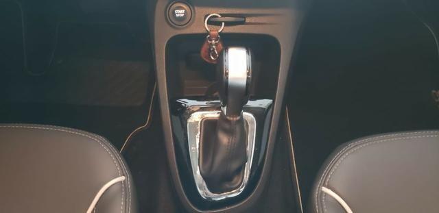 Renault Captur Intense 2.0 - 2018 - Foto 13