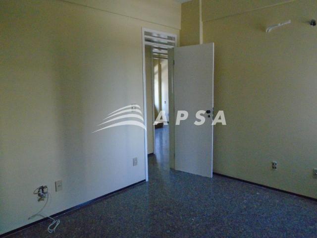 Apartamento para alugar com 3 dormitórios em Meireles, Fortaleza cod:28636 - Foto 13