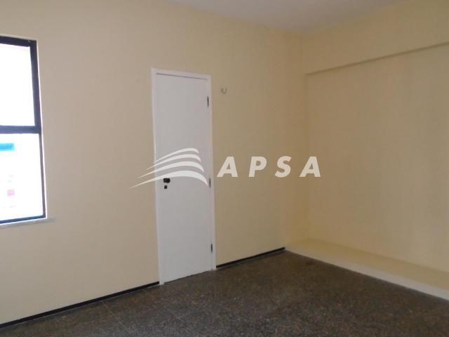 Apartamento para alugar com 3 dormitórios em Meireles, Fortaleza cod:28636 - Foto 12