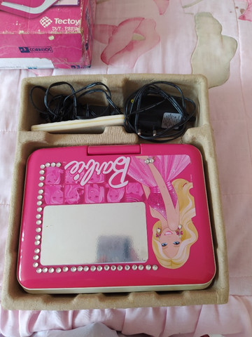 Dvd Portátil Da Barbie Tectoy (com Tela Giratória e entrada USB) - Foto 5