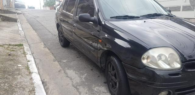 Clio Sedan 1.6 Completo Estudo Trocas