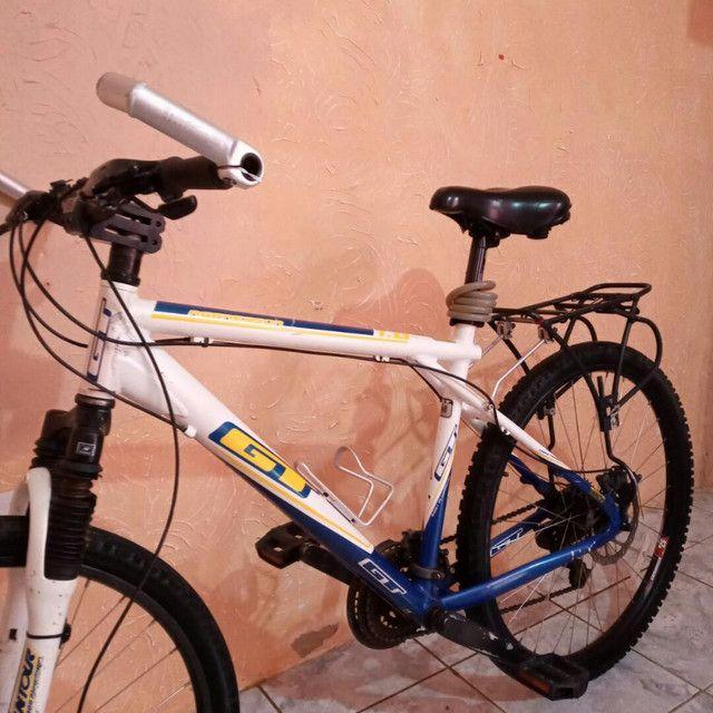 Bike de Alumínio GT Freio a Disco - Foto 4