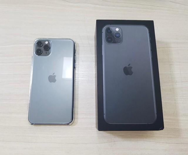 iPhone 11 Pro Max 64  - Foto 2
