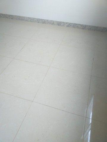 Vende-se! Apto 2 quartos, varanda, 1 vaga livre coberta. Bairro Fernão Dias/Pirajá. - Foto 17