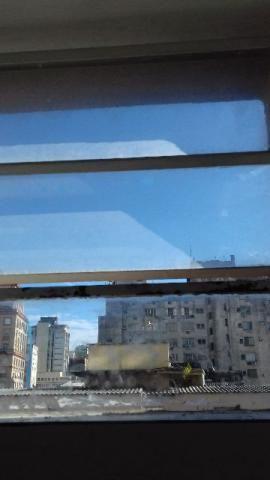 Sala comercial desocupada centro de porto alegre-rs