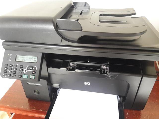 Impressora laser imprime, xerox, scanner e fax