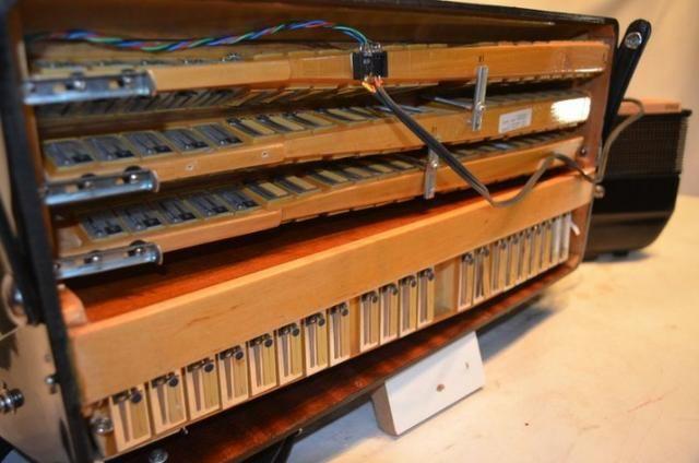 Acordeon accordiola, 120 baixos, mod piano v grand luxe 5ª/5ª voz duplo cassotto - Foto 3