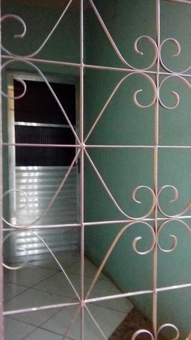 Alugo casa na Vila Canária