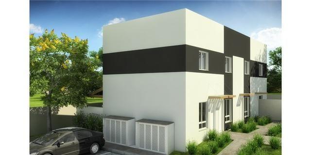 Casas de 50m² - 2 dormitorios - quintal de 12m² nos fundos - 1 vaga de garagem, com lazer - Foto 2