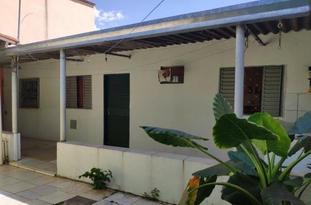 QNM 05 com 3 quartos + casa de fundos - Foto 7