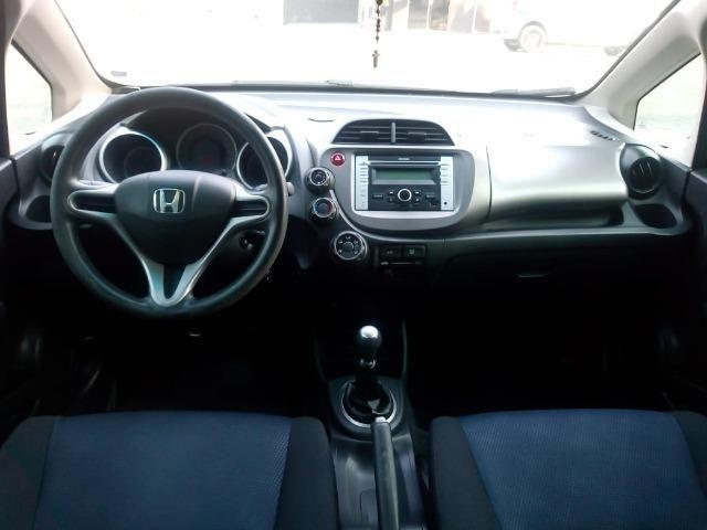 Honda Fit lx 1.4 completo,carro 2° dono,confira!!! - Foto 7