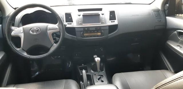 Toyota - Hilux CD Srv 4x4 Diesel Automático Completo 2014/2015 - Foto 8