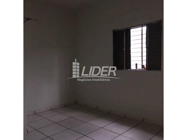 Casa para alugar com 3 dormitórios em São jorge, Uberlândia cod:804306 - Foto 7