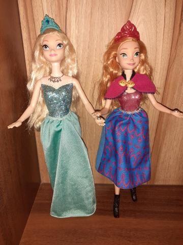 2 Bonecas Frozen Ana e Elsa Musical e luzes - Foto 2