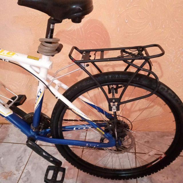 Bike de Alumínio GT Freio a Disco - Foto 2